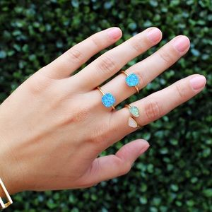 leslie francesca Jewelry - 🎉HP🎉 Double Duo Ring in Opalescent Royal Blue